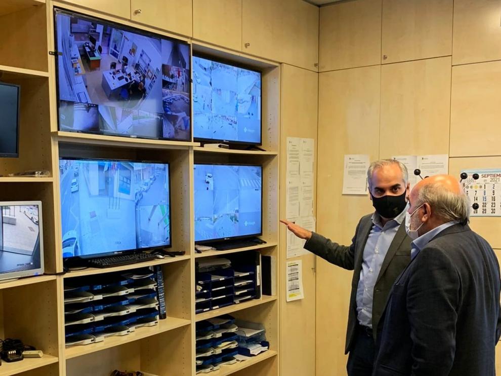 Sala de control seguridad en la nueva sede de la Policía Local de Calatayud.