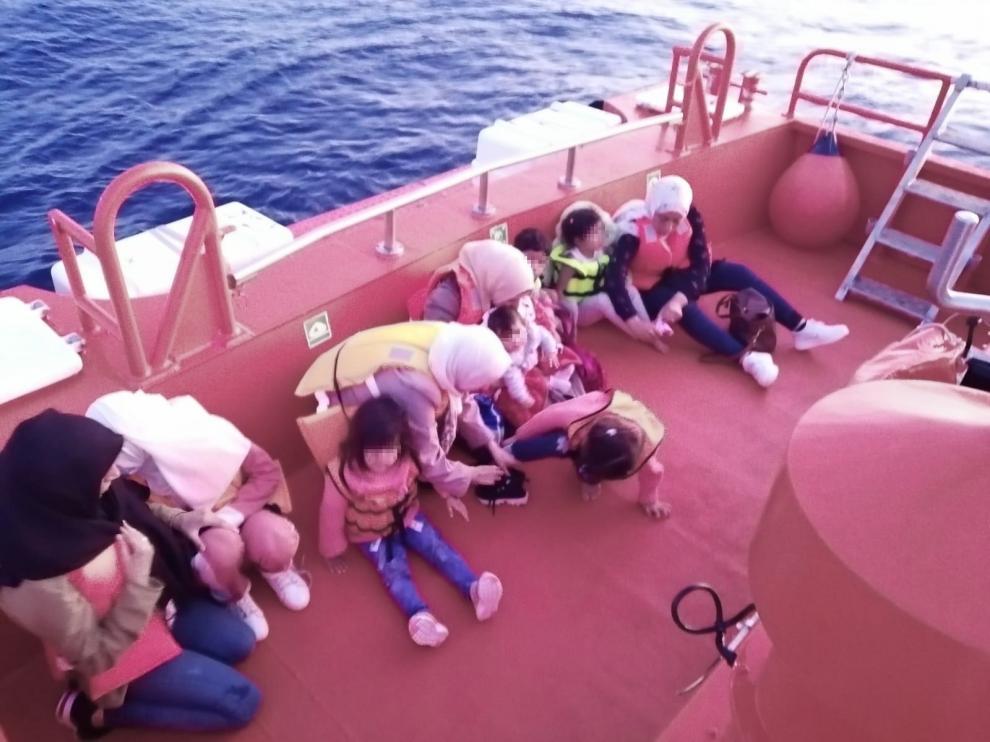 42 Inmigrantes más de varias pateras suben a 65 los interceptados en Alicante