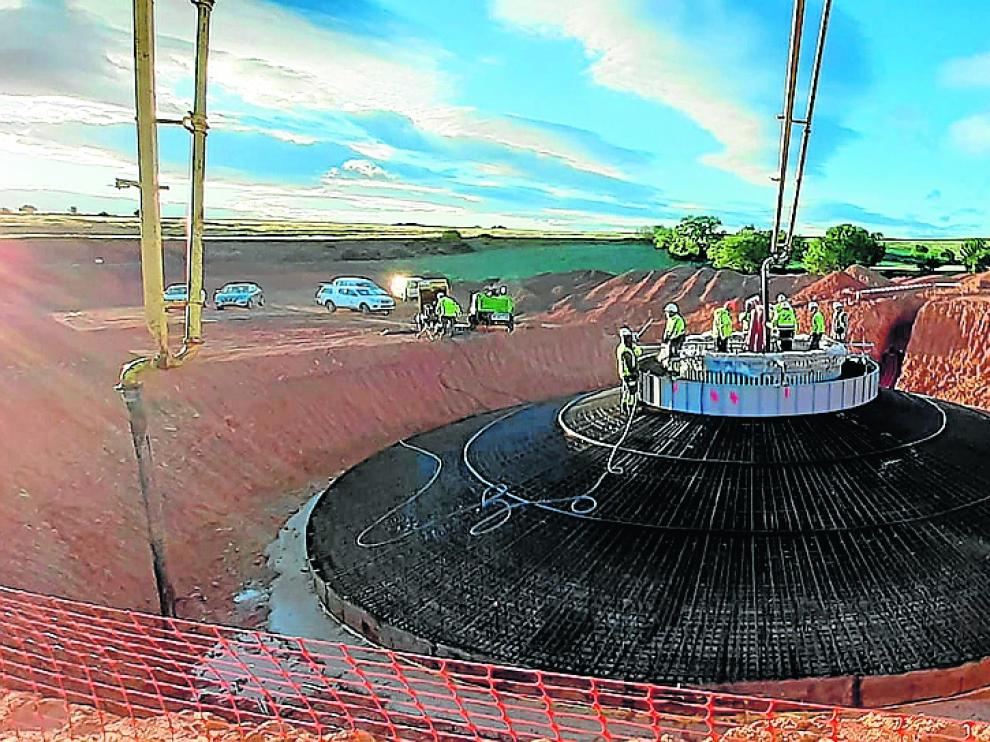 Imagen de la construcción del parque eólico Tico Wind, en Villar de los Navarros