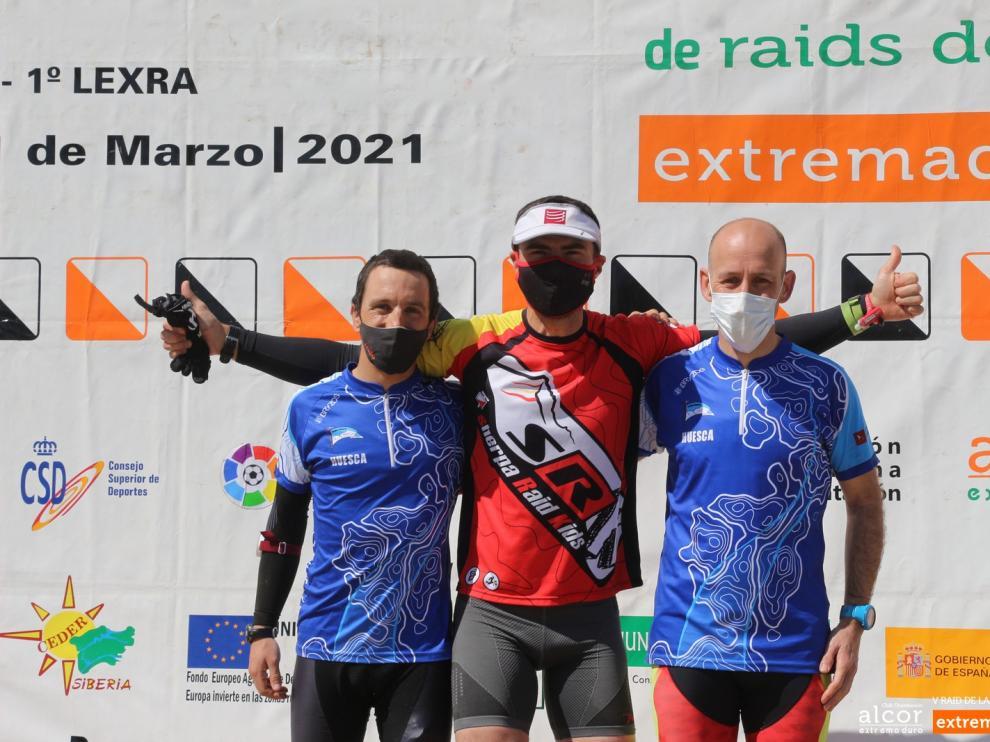 Jorge García, Juanfran Marín y David Toll, en los más alto del podio del Raid de Extremadura