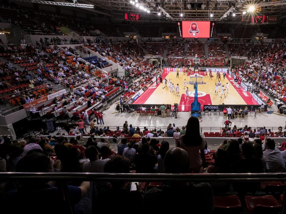 Panorámica del pabellón Príncipe Felipe en un encuentro del Casademont Zaragoza esta temporada.