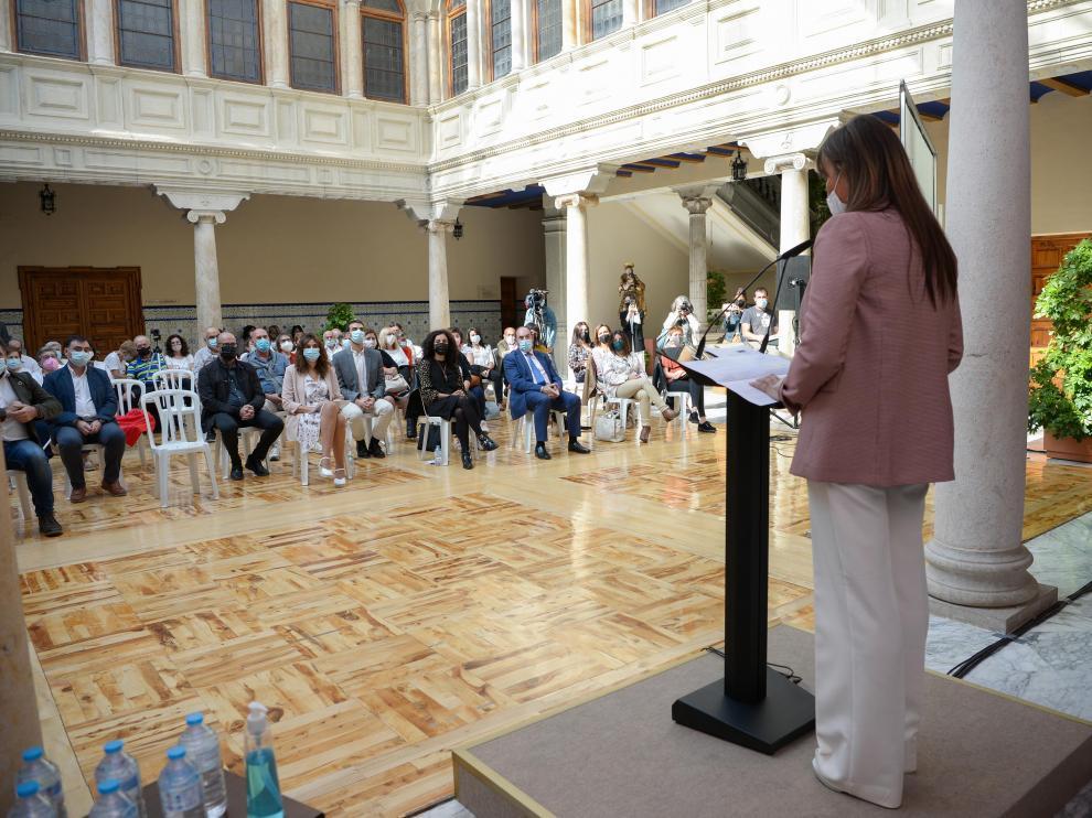 La consejera han participado en Teruel en la celebración del Día Mundial de la Salud Mental, en un acto celebrado en el claustro del Obispado.