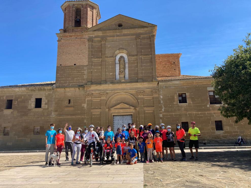 Varias familias participantes de la Marcha Aspace en Loreto.