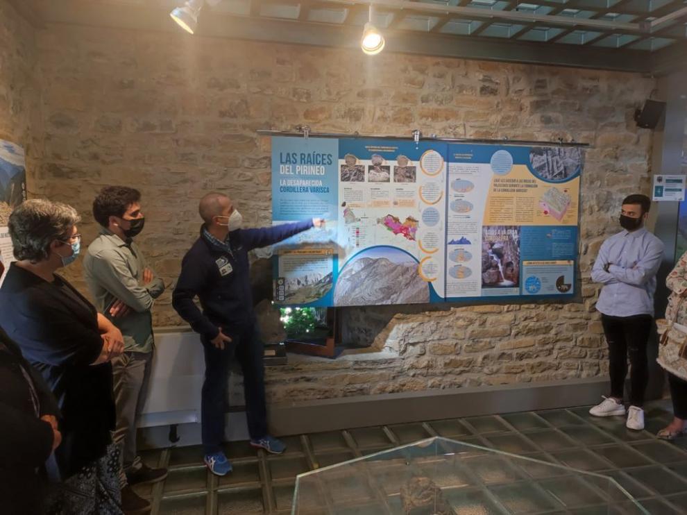 La inauguración de la nueva imagen del espacio del Geoparque Sobrarbe-Pirineos.