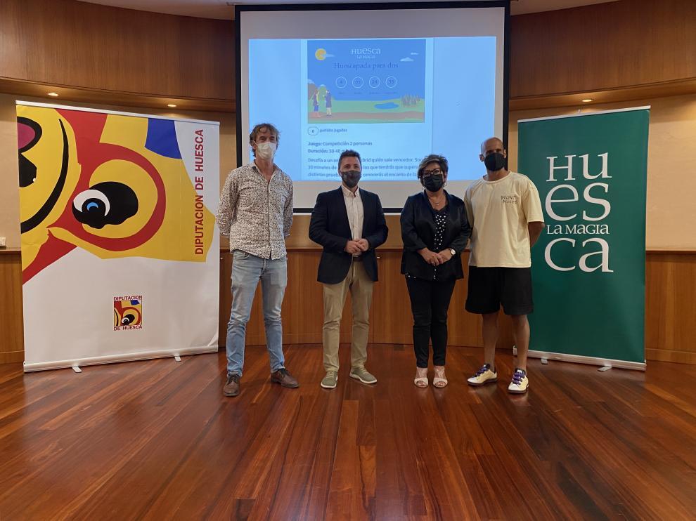 Presentación del nuevo juego online 'Huescapada para dos' en la DPH.