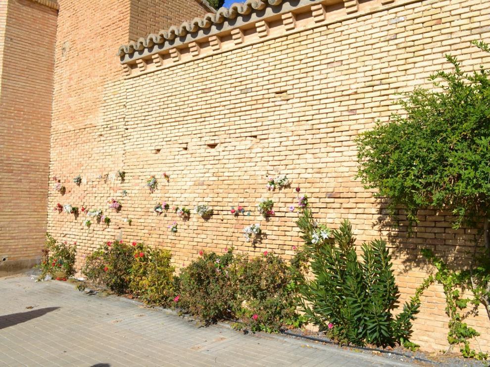 Tapia del cementerio de Torrero