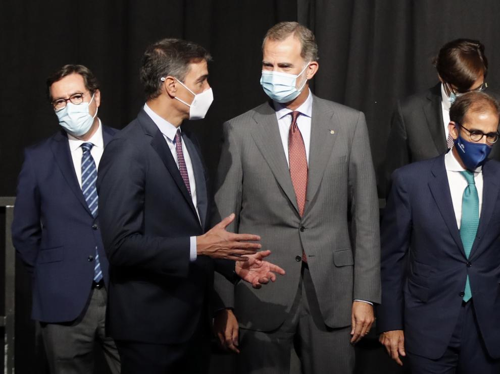El rey Felipe VI y Pedro Sánchez inauguran Automobile, el salón del automóvil de Barcelona