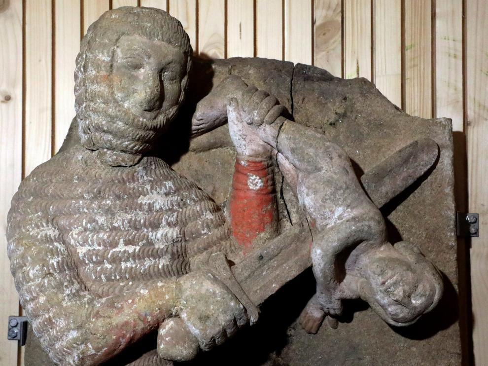 Relieve de la Matanza de los Inocentes realizado en granito y datado entre 1250-1350
