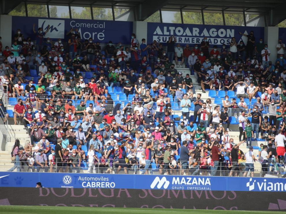 Partido SD Huesca-Tenerife, en imágenes