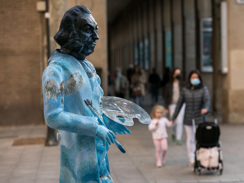 Reponen la estatua de Goya decapitada de la plaza Santa Engracia