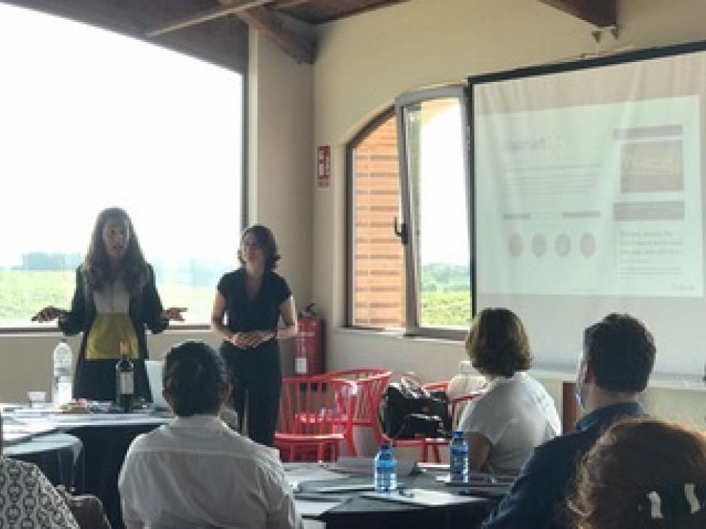 Las 'coaches' Beatriz Romanos y Corina Almagro explicaron el modelo de empresa exponencial.