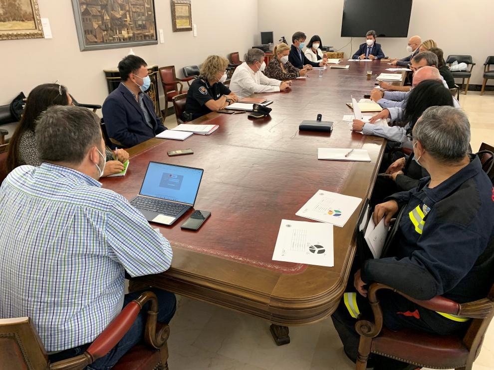 Constitución de la comisión mixta de Seguridad Ciudadana y Servicios Sociales para abordar la okupación en Huesca.