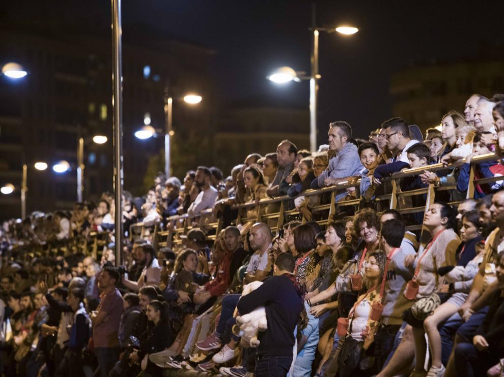 Los zaragozanos, despidiendo las últimas Fiestas del Pilar 'de verdad'. Era el 13 de octubre de 2019.