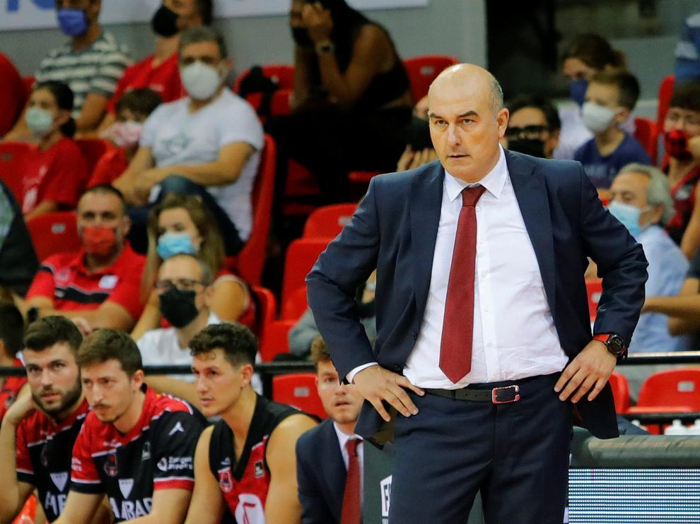 Jaume Ponsarnau, en la banda.