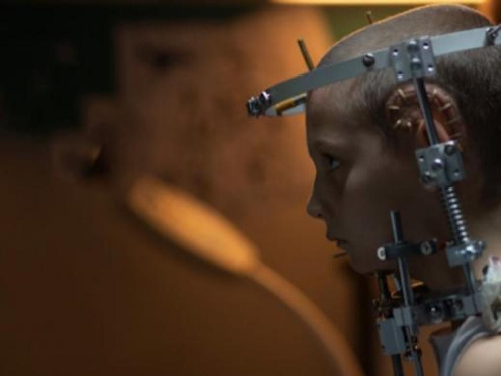 Impactante imagen de la película 'Titane'.