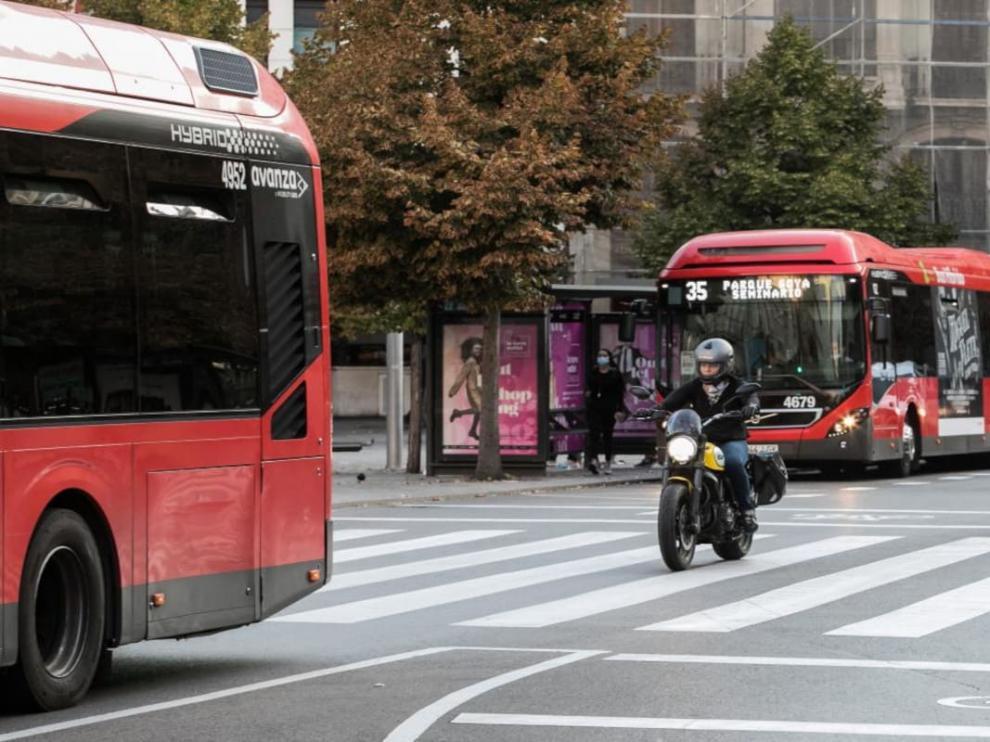 Autobuses en Paseo de la Independencia de Zaragoza.