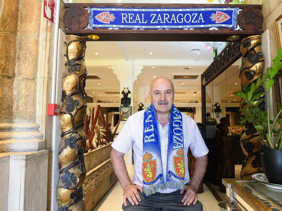 Luis Soler, propietario del restaurante Rogelios, en la plaza Eduardo Ibarra