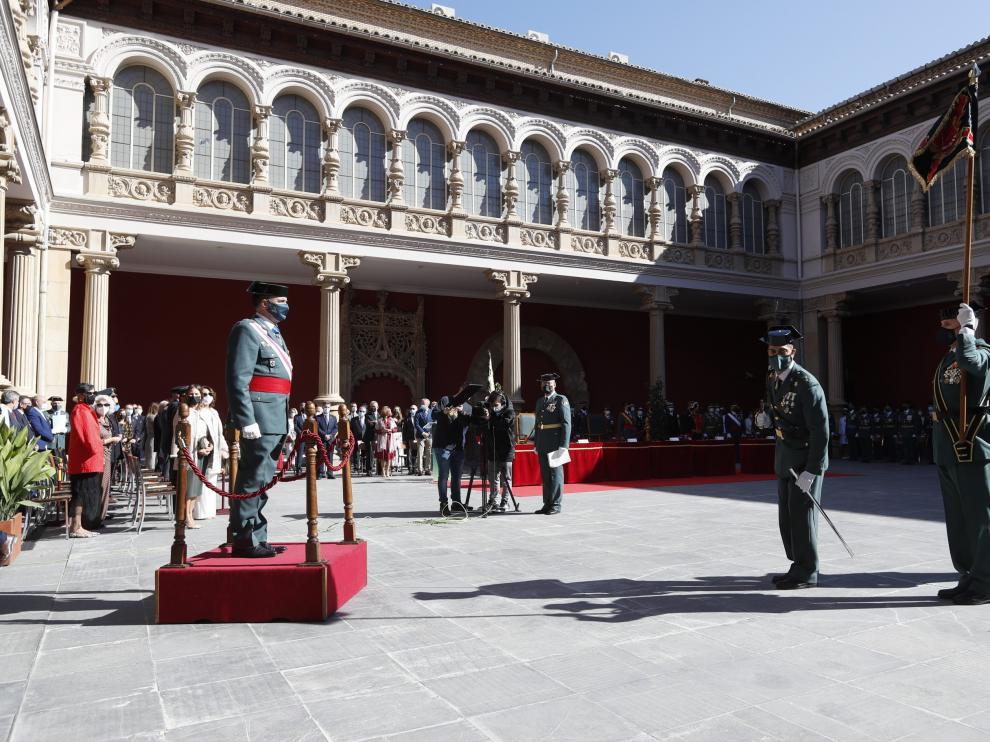 El general Almiñana, en un momento del acto celebrado en el patio del Museo de Zaragoza