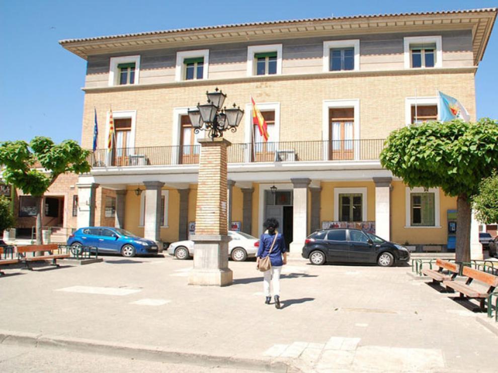 Una imagen de la fachada del Ayuntamiento de Sariñena.