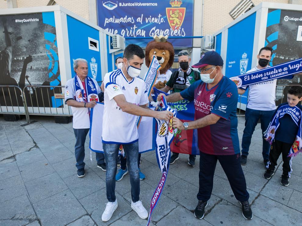 Aficionados del Real Zaragoza y la SD Huesca, listos para el derbi