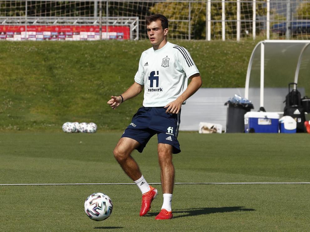 Francho, durante el entrenamiento con la selección de España sub-21 el pasado jueves.