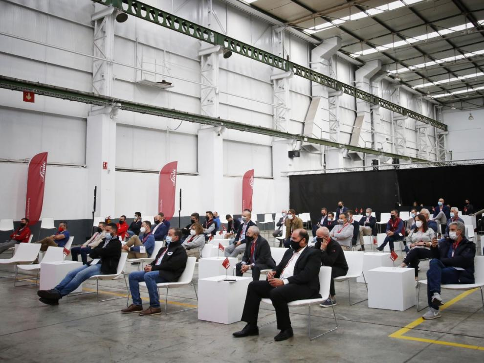 Responsables de 165 empresas han participado en el evento logístico organizado por Serma para presentar las nuevas carretillas eléctricas de Linde.