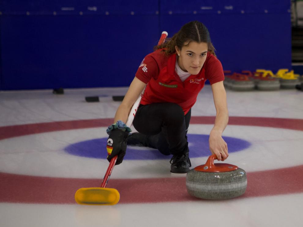 Nerea Torralba, aragonesa en la selección española de curling.