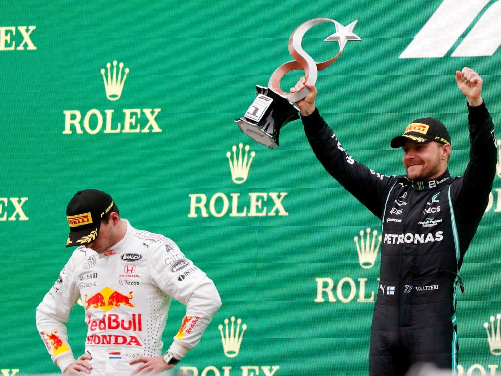 Verstappen y Bottas, en Turquía.