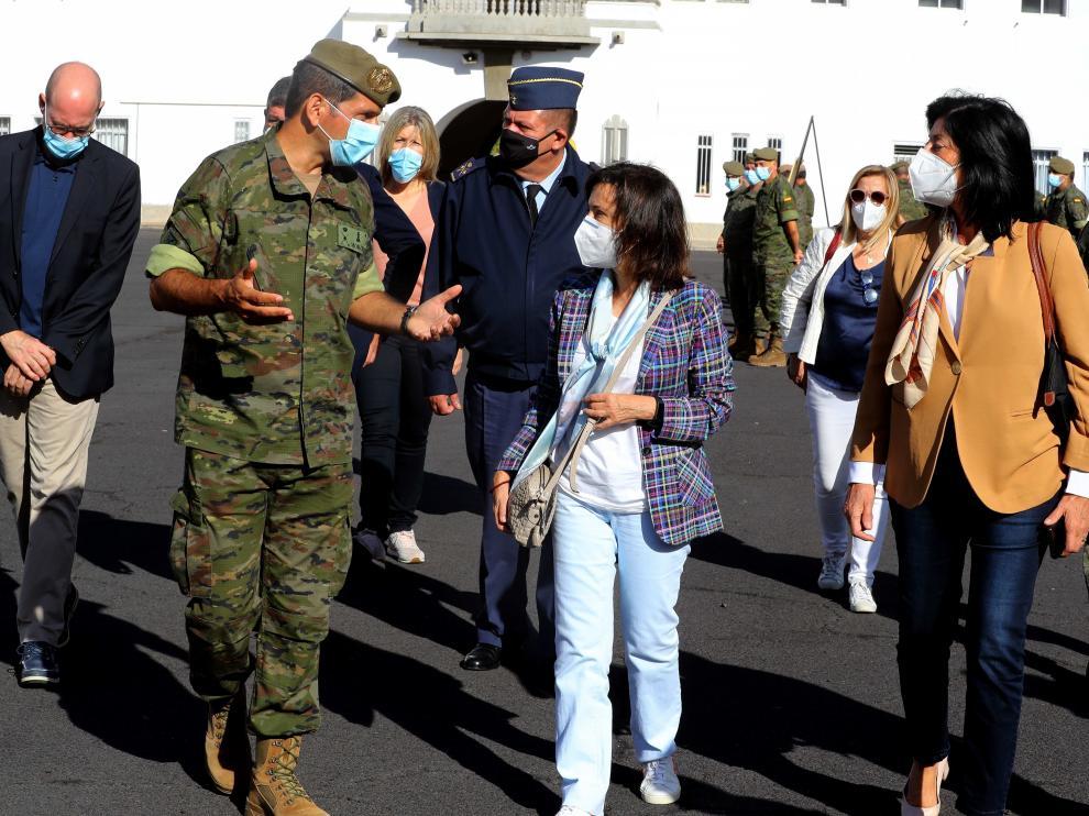 Visita de la ministra de Defensa, Margarita Robles, a la isla de La Palma