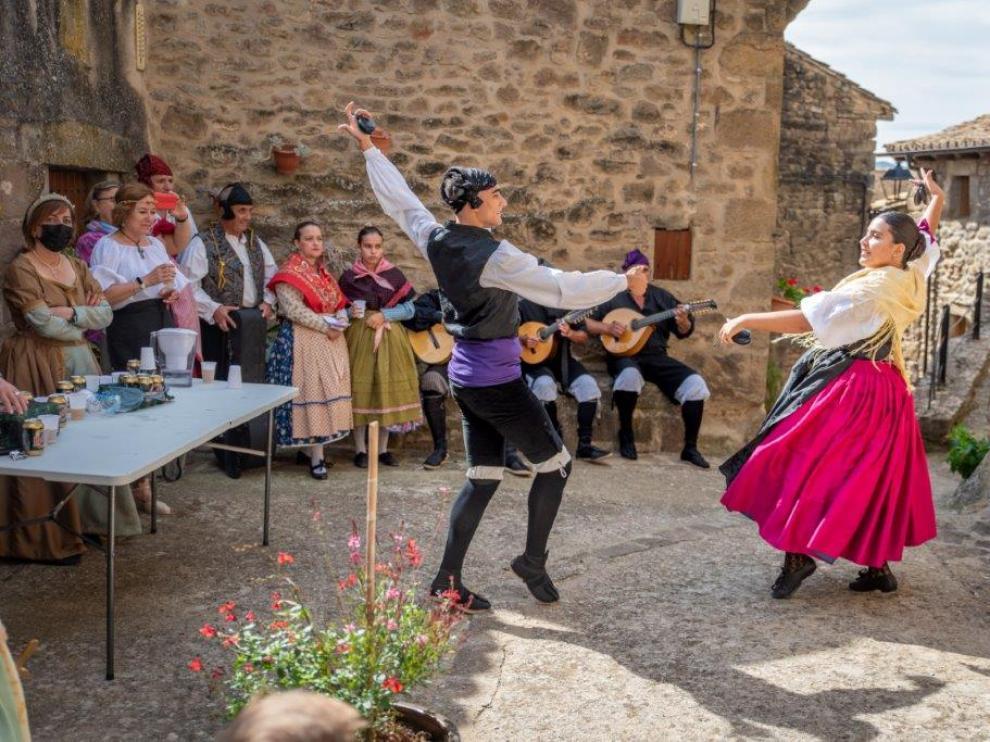 Dos joteros, durante las pasadas Jornadas Culturales de Urriés, celebradas a principios de octubre.