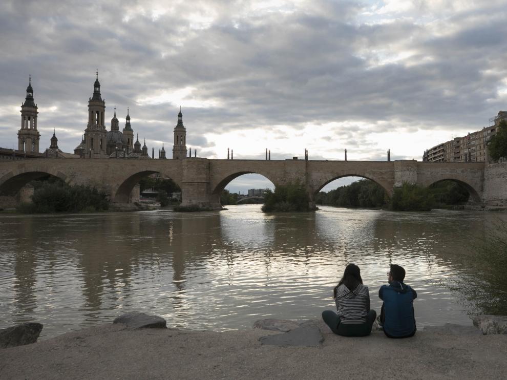 El Ebro, la basílica del Pilar y el puente de Piedra de Zaragoza