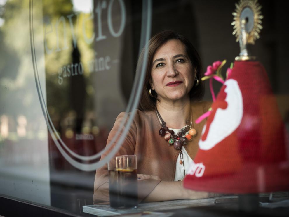 La vicealcaldesa de Zaragoza, Sara Fernández, en el interior del Envero Gastro Wine.