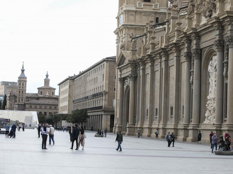 La plaza del Pilar, los días previos a las fiestas.