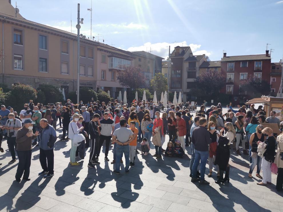 Protesta de los vecinos por la instalación de una línea de alta tensión