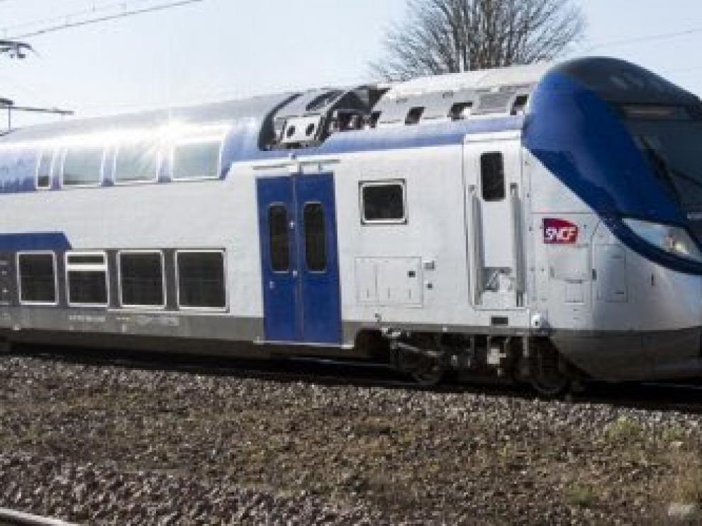 Foto de archivo de un tren regional en Francia