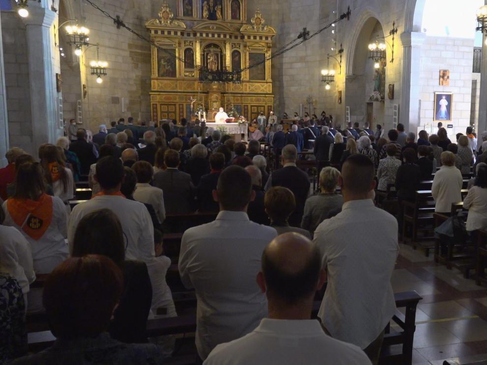 La iglesia parroquial de Jaca, llena el día del Pilar.