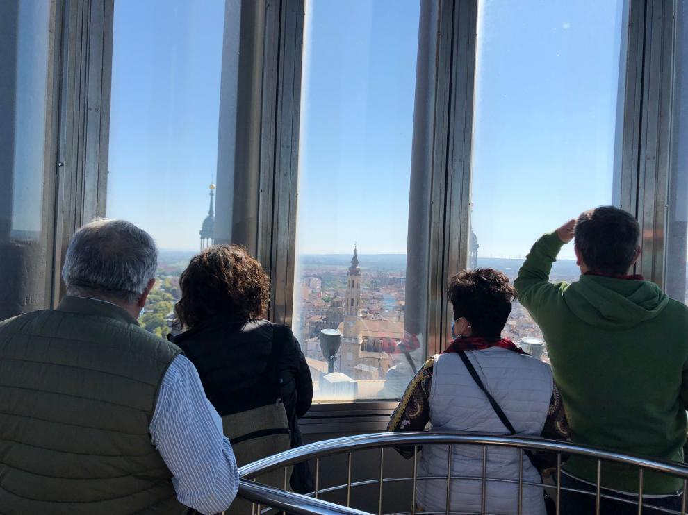 La panorámica de la Ofrenda desde la torre del Pilar es única.