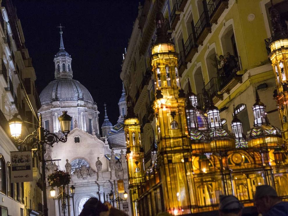 Procesión del Rosario de Cristal en Zaragoza.