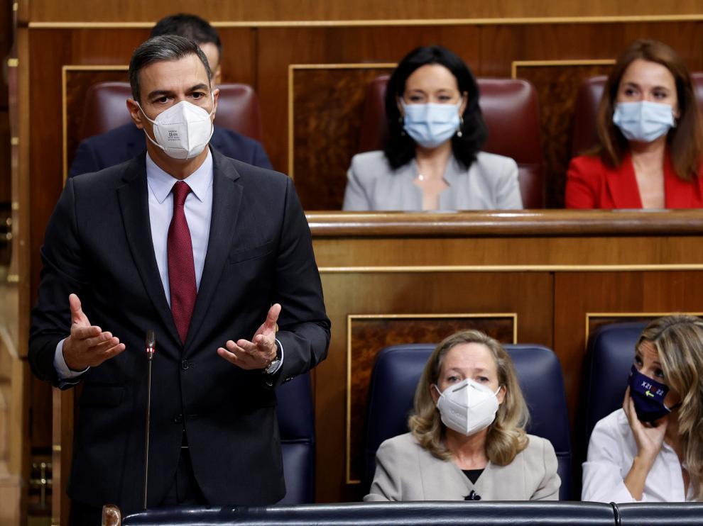 El presidente del Gobierno, Pedro Sánchez, interviene durante la sesión de control al Gobierno celebrada este miércoles en el Congreso de los Diputados.