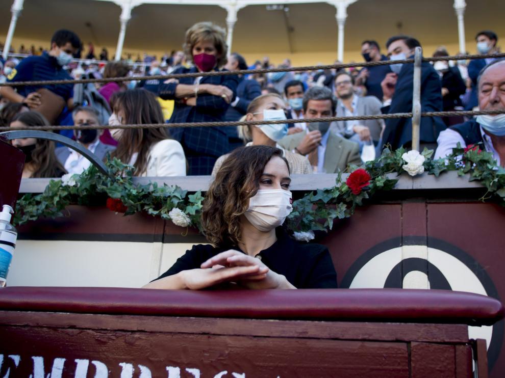 Isabel Díaz Ayuso en la corrida de toros de Las Ventas.