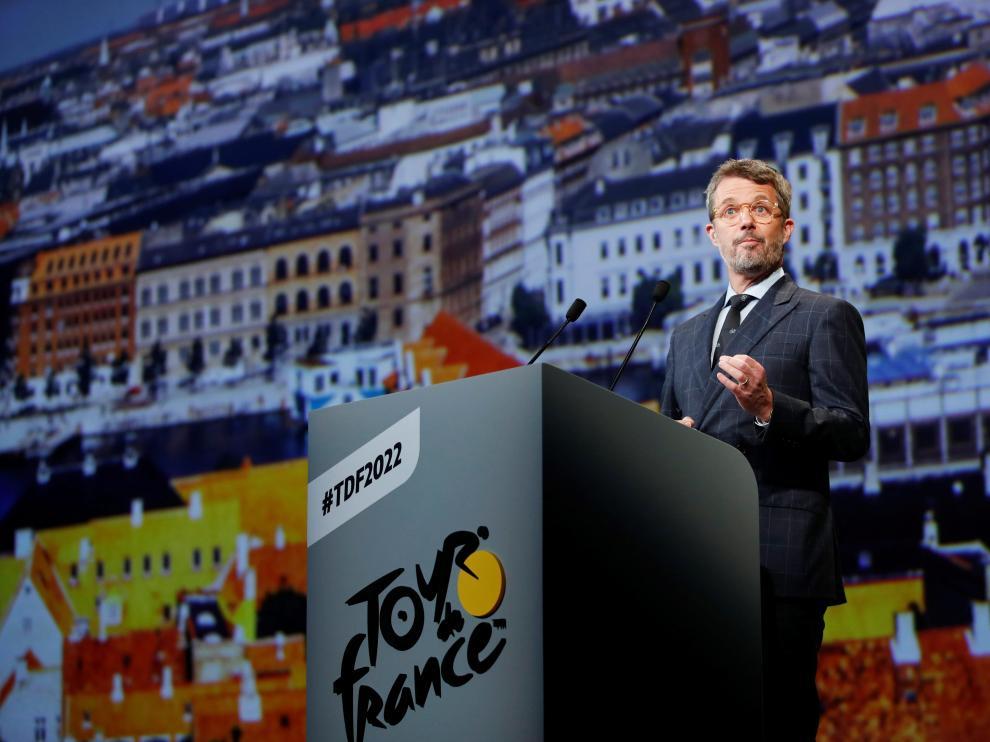 Federico de Dinamarca en la presentación del Tour de Francia 2022 en el Palacio de Congresos de París.