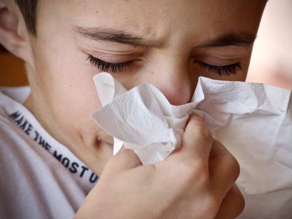 Un niño resfriado