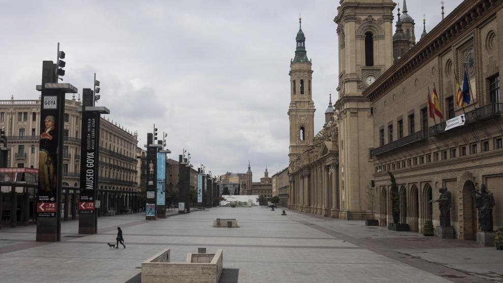 """[UPyD-C's] Manifestación Zaragoza """"si Cataluña tiene concierto económico Aragón también"""" Plaza-del-pilar.r_d.2032-1117"""