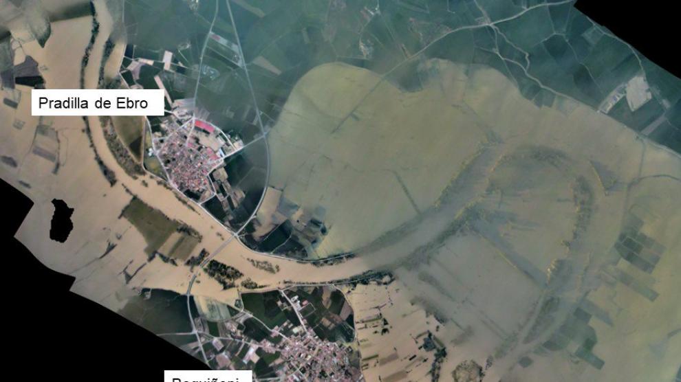 Imágenes aéreas de la crecida del Ebro difundidas por la CHE