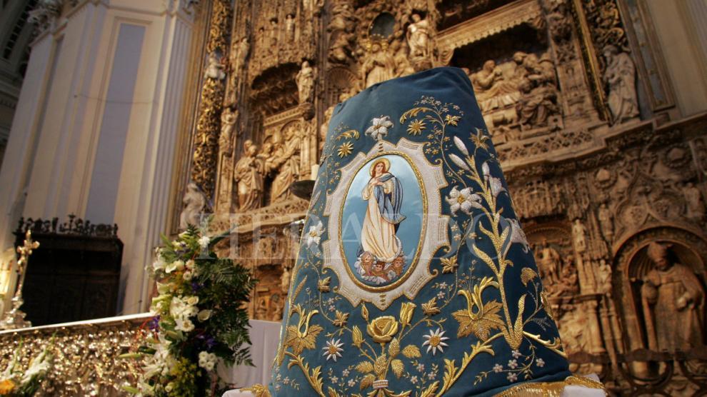Los mantos de la Virgen del Pilar, en fotos