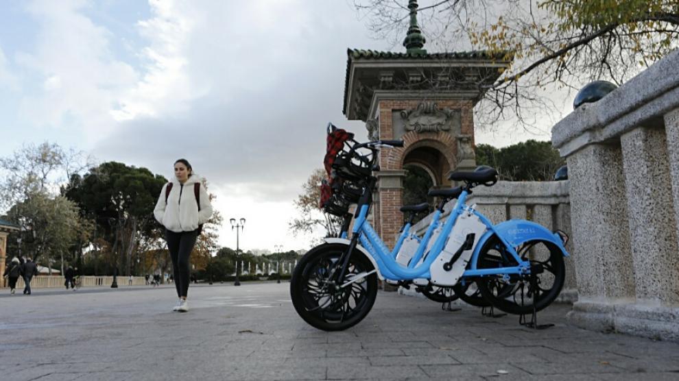 Las bicis azules eléctricas se estrenan en Zaragoza