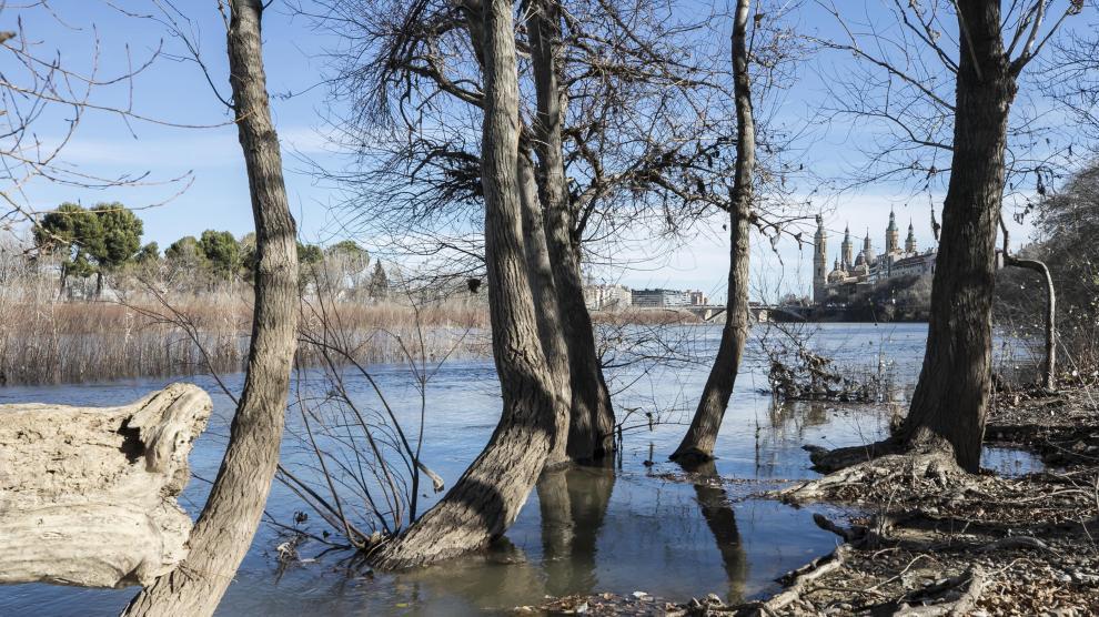 El Ebro comienza a crecer