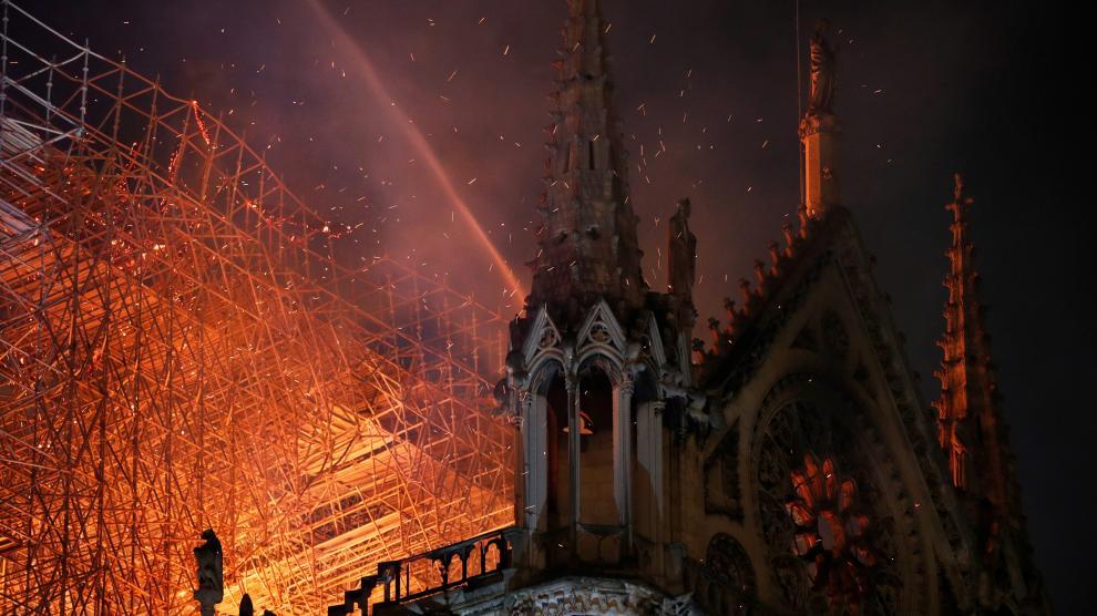 La catedral de Notre Dame, en llamas.