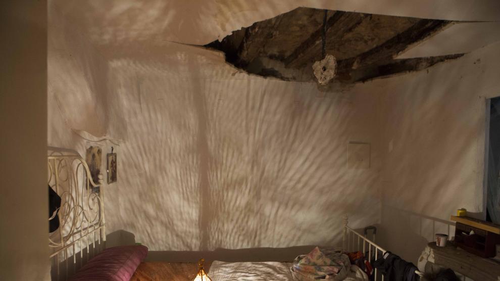 Derrumbe de un falso techo en un piso de La Magdalena, en Zaragoza