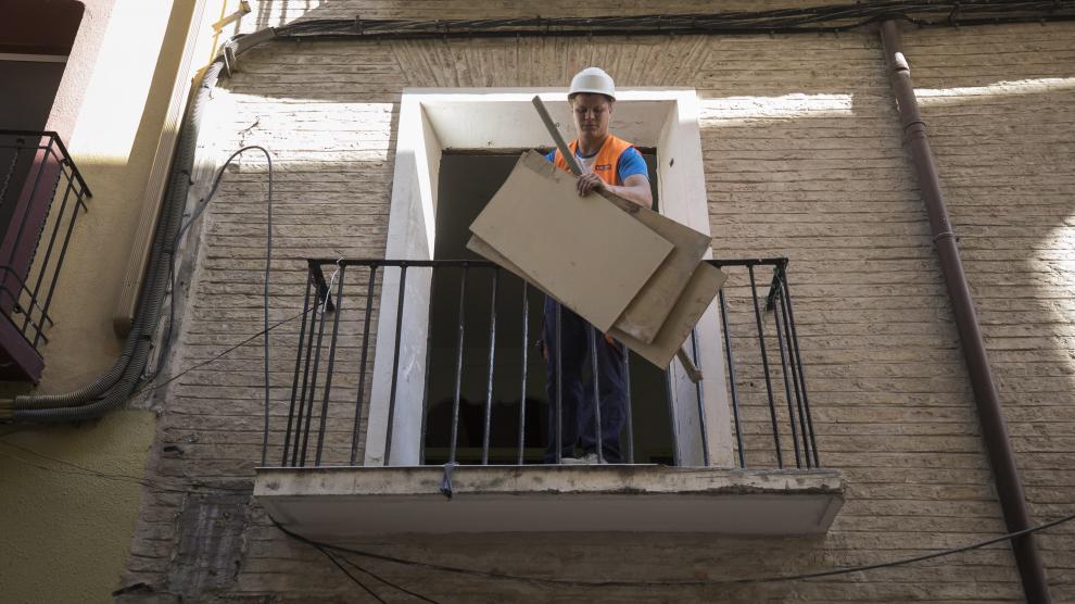 DESESCOMBRO DEL EDIFICIO DE LA CALLE AGUSTINA DE ARAGON 26 ( ZARAGOZA ) / 23/09/2019 / FOTO : OLIVER DUCH [[[FOTOGRAFOS]]]